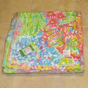 NWT SET 2 Lilly Pulitzer Lovers Coral Beach Towels
